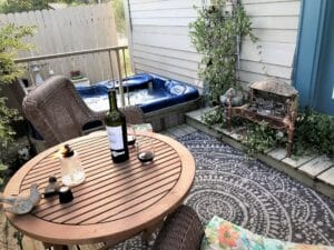 Hot tub and private porch at Wildrose